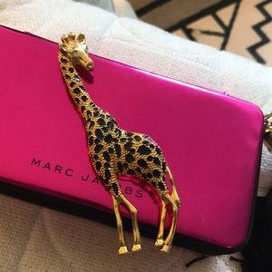 Oversized giraffe pin necklace brooch